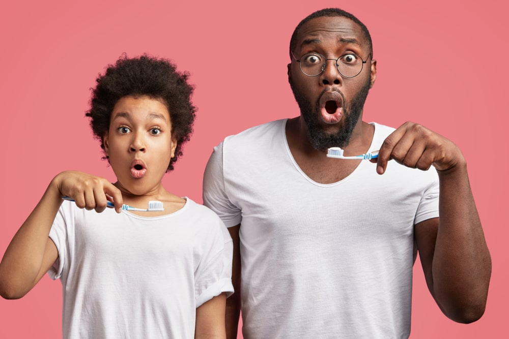 Brossage des dents pour prévenir la carie dentaire