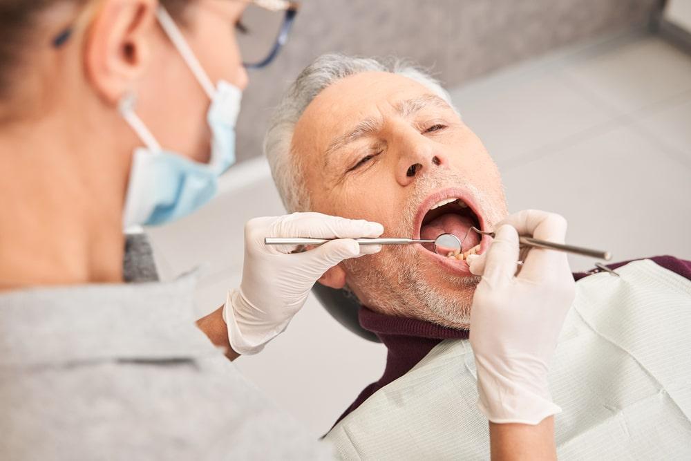 L'examen du parodonte par le dentiste